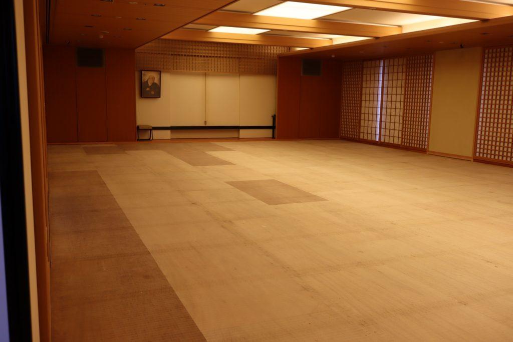 大広間の畳張替え作業が終わりました!